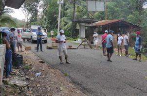Los manifestantes solicitan a las autoridades municipales de Portobelo, una respuesta para que se les otorgue la oportunidad para ubicar sus negocios también en el área de playas. Foto: Diomedes Sánchez