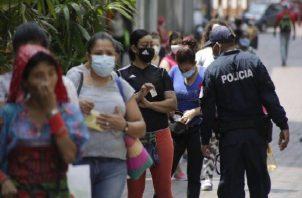 Sucre informó además que se mantendrá la restricción para el acceso a los comercios anunciados de acuerdo al género.