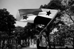 Los panameños tenemos vocación de libertad y que podemos tomar el control de nuestro destino sin injerencias foráneas, si es que realmente deseamos cambiar el mundo para bien. Foto: EFE.
