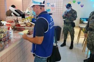 Unos 130 propietarios de locales comerciales ubicados en Panamá y Panamá Oeste, fueron citados por incumplir el Decreto Ejecutivo N°62. Foto:Ilustrativa