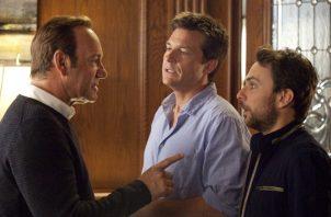 Tres sujetos intentarán matar a sus abusivos jefes en la cinta 'Quiero matar a mi jefe'. CORTESÍA