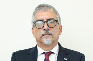 Carlos Motta Nuques.