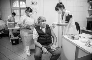Con el ritmo actual de vacunación en Panamá, necesitaríamos 662 días, casi dos años, para el logro de inmunización total. Foto: EFE.