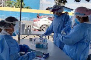 Más de 500 pruebas  se realizaron en Monagrillo gracias a la implementación del nuevo puesto de hisopado express instalado en las afueras del Estadio Claudio Nieto.