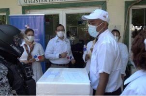 Las dosis de vacunas contra la covid-19 fueron recibidas y distribuidas a los diversos centros de salud.