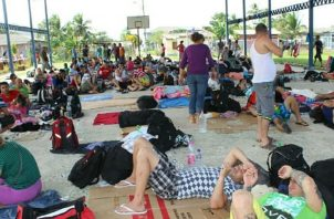 Miles de migrantes se encuentran varados en Panamá. Archivo