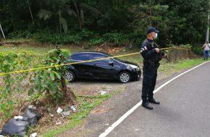 El hombre encontrado muerto en el auto no es conocido del lugar. Foto: Diómedes Sánchez
