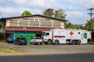 La clínica móvil fue ubicada en las instalaciones del Gimnasio de Chilibre.