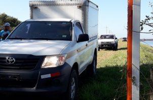 Los funcionarios también investigan si en el área se ha reportado alguna persona desaparecida.