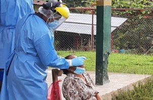 Hoy se implementó una jornada masiva de hisopado a los residentes de la comunidad de San Isidro, corregimiento de Tulú en la provincia de Coclé.