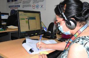la línea de atención 147 ha brindado asistencia psicosocial a más de 4,000 panameños y panameñas. Foto:Cortesía