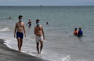 En seis provincia de Panamá se prohíbe acceso a las playas los fines de semana.