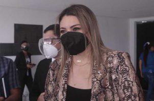 La ministra de Trabajo, Doris Zapata, acudió ayer a la Asamblea. Foto: Víctor Arosemena