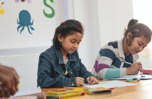 Durante el proceso de aprendizaje es importante motivar al estudiante para que la experiencia sea gratificante. Ilustrativa / Pexels