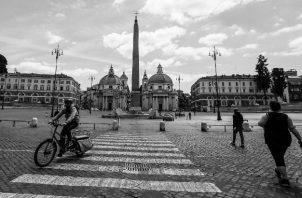 La Plaza del Popolo (Plaza del Pueblo) es una de las más populares de Roma, Italia. Habría naciones que estarían en serios problemas, tanto económicos como sociales, naciones como España, Italia y Grecia. Foto: EFE.