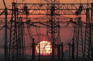 """La Cofece advirtió de """"lesiones"""" a la competencia porque la reforma eliminará el criterio económico para siempre despachar primero la electricidad de las plantas hidroeléctricas. Foto/EFE"""