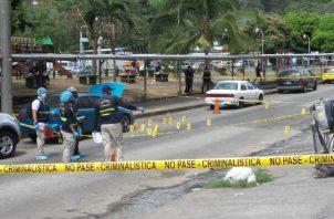 Vistas del área del asesinato registrado este jueves en El Chorrillo. Foto de Landro Ortiz