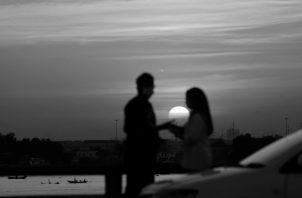 La vida es romance. Su ausencia nos mata. Su presencia le da sentido y amanecer. Foto: EFE.