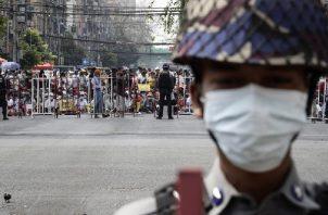 Primera víctima mortal de la represión de la junta militar en Birmania. Foto:EFE