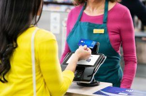 Casi la mitad de los consumidores están comprando en línea. Cortesía