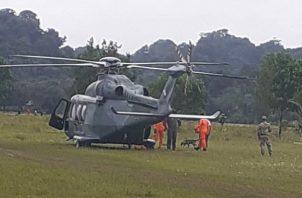La aeronave AN-139 aterriza en Río Belén, Donoso provincia de Colón, con unidades Aeronavales y del Sinaproc para buscar a una menor desaparecida.
