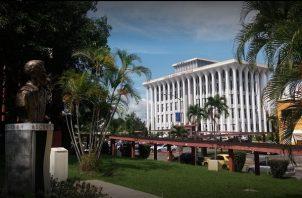 La cifra de estudiantes interesados en acceder a la Universidad de Panamá casi se duplicó para este año.