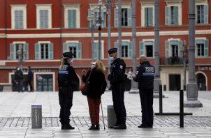 En todo el territorio francés hay un toque de queda entre las 6 de la tarde y las 6 de la mañana todos los días. Foto: EFE