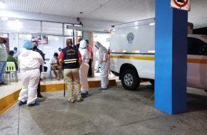 La víctima fue llevada a la Policlínica Blas Gómez Chetro de la Caja de Seguro Social (CSS), donde falleció poco después de su ingreso.