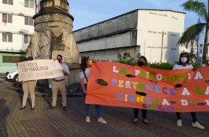 La protesta fue la tarde de ayer lunes en la entrada de la urbe colonense. Diómedes Sánchez