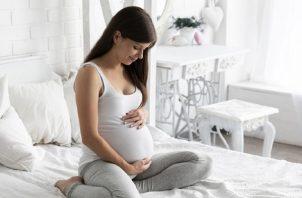 Ausencia o disminución de movimientos fetales, es una de las razones para contactar a su médico. Foto: Cortesía