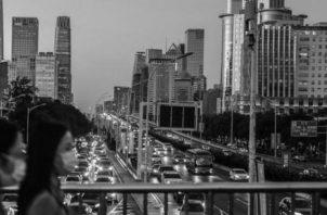 China ha obtenido mucha influencia mundial debido a sus gigantescas inversiones en países extranjeros, su amplio comercio, su influencia cultural y por la cooperación que sostiene con los países donde invierte. Foto: EFE