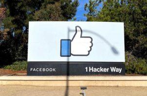 Vista de la sede de Facebook en Menlo Park, California, Estados Unidos.