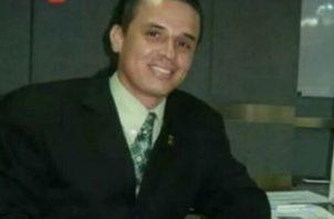 Ismael Pittí es técnico y licenciado en sistemas computacionales, certificado por la Universidad Tecnológica de Panamá (UTP), y por ende, es especialista en computadoras.