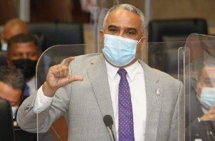 El Dr. Mariano López es proponente del proyecto que pretende modificar la certificación médica. Foto de cortesía