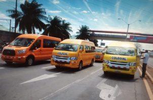Los transportistas cerraron los cuatro paños de la vía Interamericana por espacio de una hora. Foto: Melquiades Vásquez