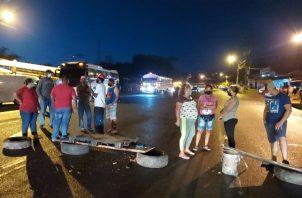 Residentes de la comunidad de Río Rita piden agua potable las 24 horas del día.