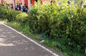 Personal forense del Ministerio Público acudió al lugar para hacer las investigaciones iniciales de este caso de homicidio que se registró en Sabanitas.