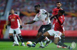 La eliminatoria entre el Milan y el Manchester United se definirá en San Siro la próxima semana. Foto: Twitter