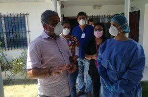 El ministro Sucre dijo que todas las semanas llegan vacunas de la farmacéutica Pfizer. Foto: José Vásquez