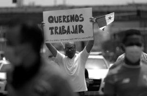 """La pandemia """"borró"""" 16 años de generación de empleo formal del sector privado, en una economía que genera principalmente empleo informal. Foto: EFE."""