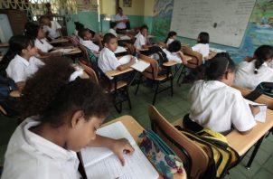 Miles de estudiantes a nivel nacional tienen más de un año que no dan clases de manera presencial. Archivo