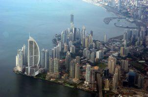 La calificadora indica que la perspectiva estable refleja un equilibrio entre las fortalezas crediticias fundamentales de Panamá. Foto/Archivo