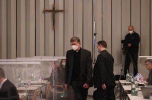 El cardenal de Colonia, Rainer Maria Woelk, a su llegada a la lectura del informe juridico sobre el papel de la Iglesia alemana ante presuntos abusos sexuales por parte de sacerdotes católicos.