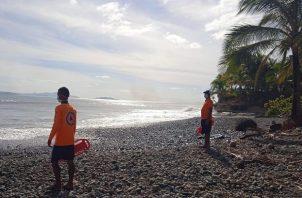 El consumo de alcohol en playas, ríos y balnearios está prohibido. Foto cortesía Sinaproc