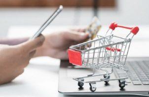 El comercio electrónico en América Latina experimentó un crecimiento que se esperaba alcanzar en entre cinco y diez años. EFE