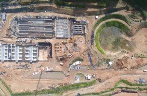 Vista aérea de los trabajos de construcción de la planta potabilizadora de Gamboa, que se alimenta de las aguas del río Chagres. Archivo