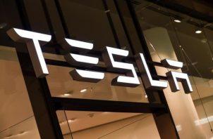 Tesla estudia algunas grabaciones realizadas con las cámaras situadas en la cabina de sus vehículos.