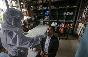 India reportó 47,262 nuevos casos de covid-19 en las últimas 24 horas. Foto: EFE