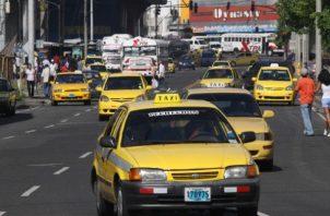 """El dirigente transportista dijo que algunos conductores que son """"palancas"""" se niegan a que se elimine la medida de pares y nones."""