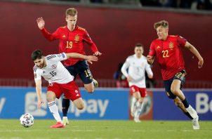 Dani Olmo (19) le dio la victoria a España. Foto: EFE